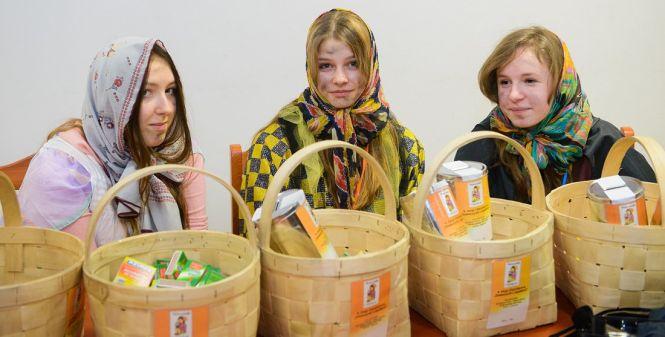 """Ponad 5,7 tys. zł uzbierano podczas ostatniej edycji sianowskiej akcji """"Dziewczynki z zapałkami""""."""