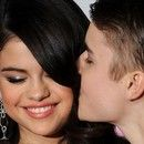 Justin Bieber kocha hit Seleny Gomez